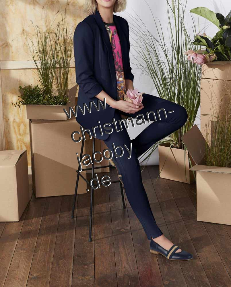 Women's suit, navy